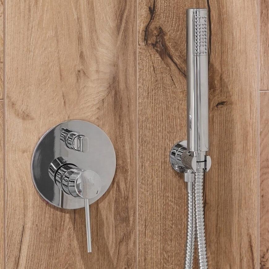 Drewno w aranżacji łazienki